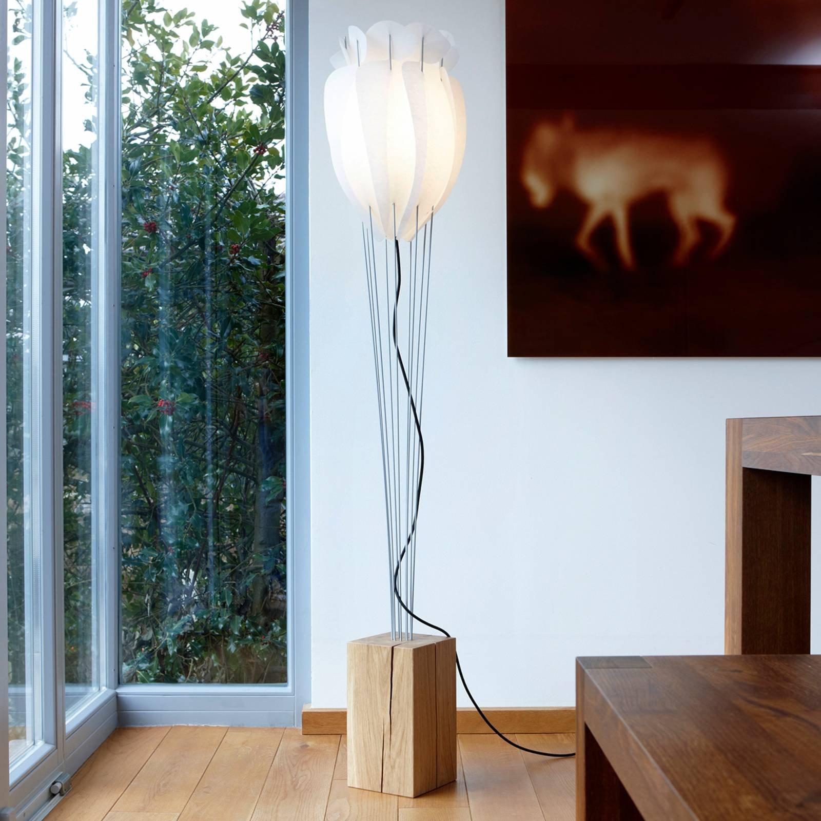 Dekorativ Tulip gulvlampe i naturlig eik