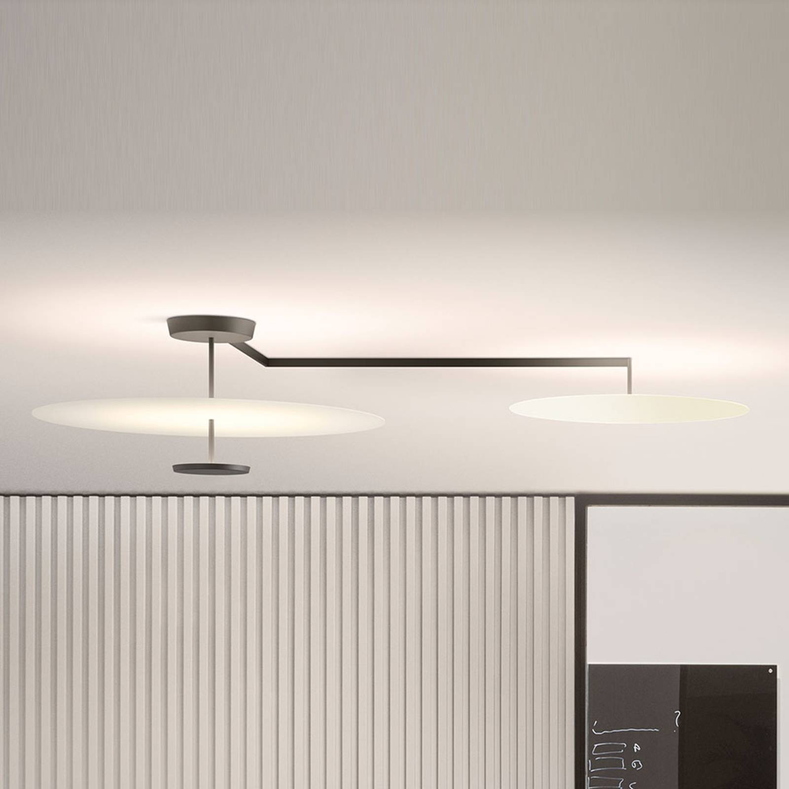 Vibia Flat LED-kattovalaisin 3-lamppuinen Ø 55 cm