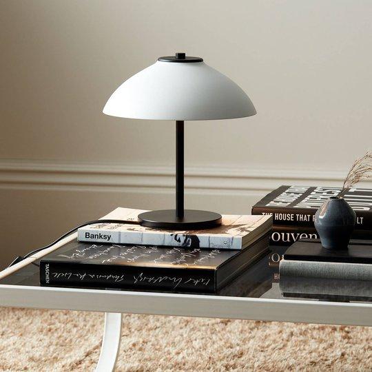Bordlampe Vali, høyde 25,8 cm, svart/hvit
