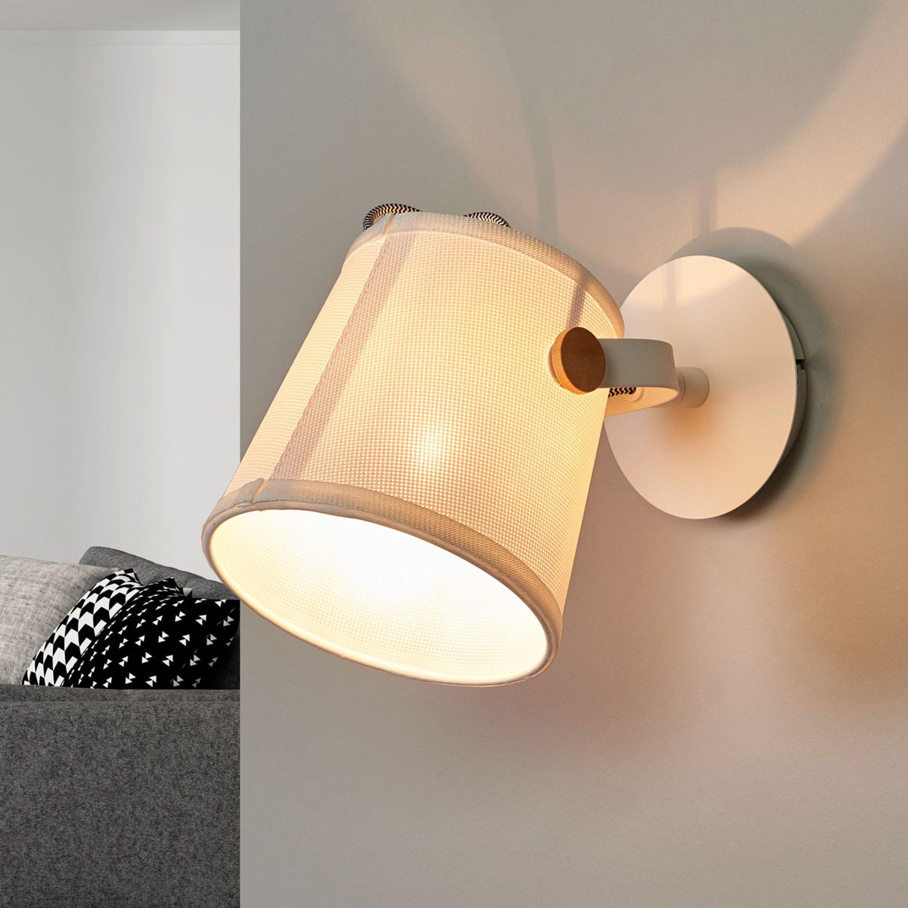 Vegglampe Nordica med tekstilskjerm