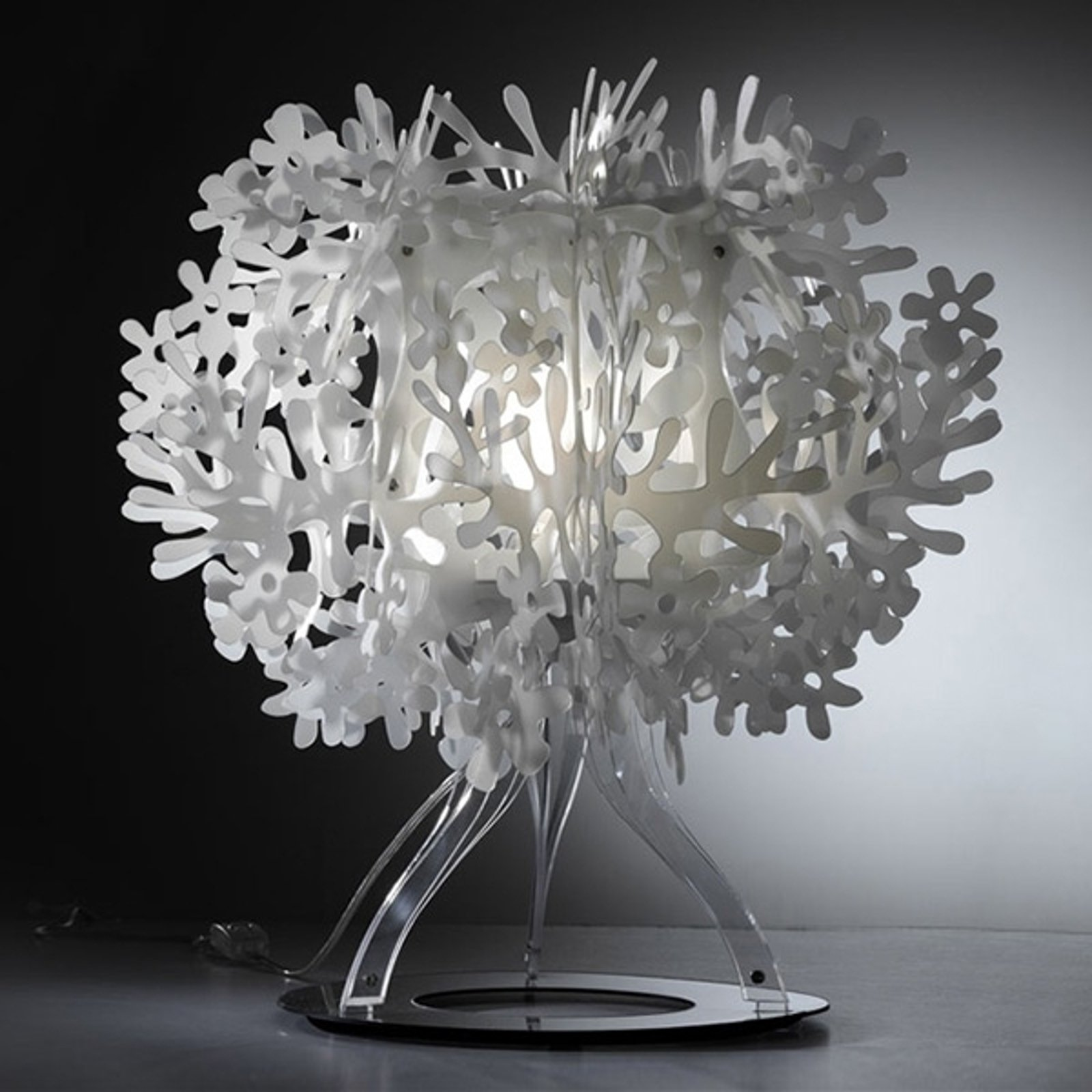 Fasisnerende bordlampe Fiorella