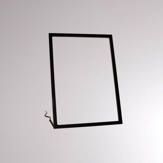 LOUM Gone LED-bordlampe svart høyde 35 cm