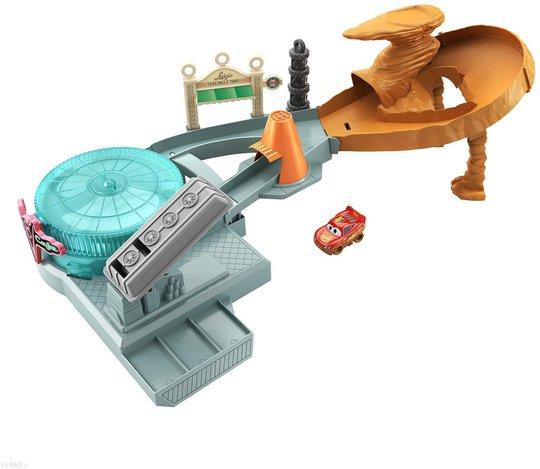 Disney Cars Mini Racers Lekesett Radiator Springs Spin Out!