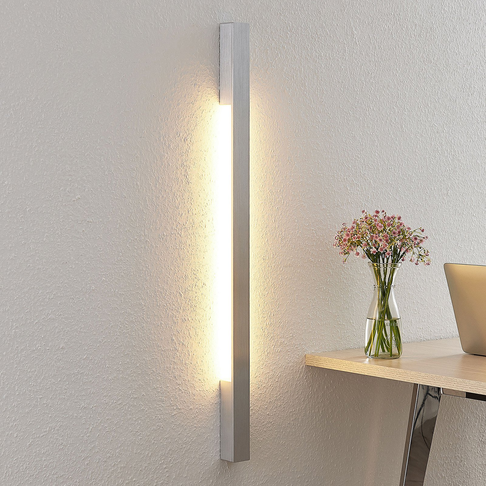 Arcchio Ivano LED-vegglampe, 91 cm, alu