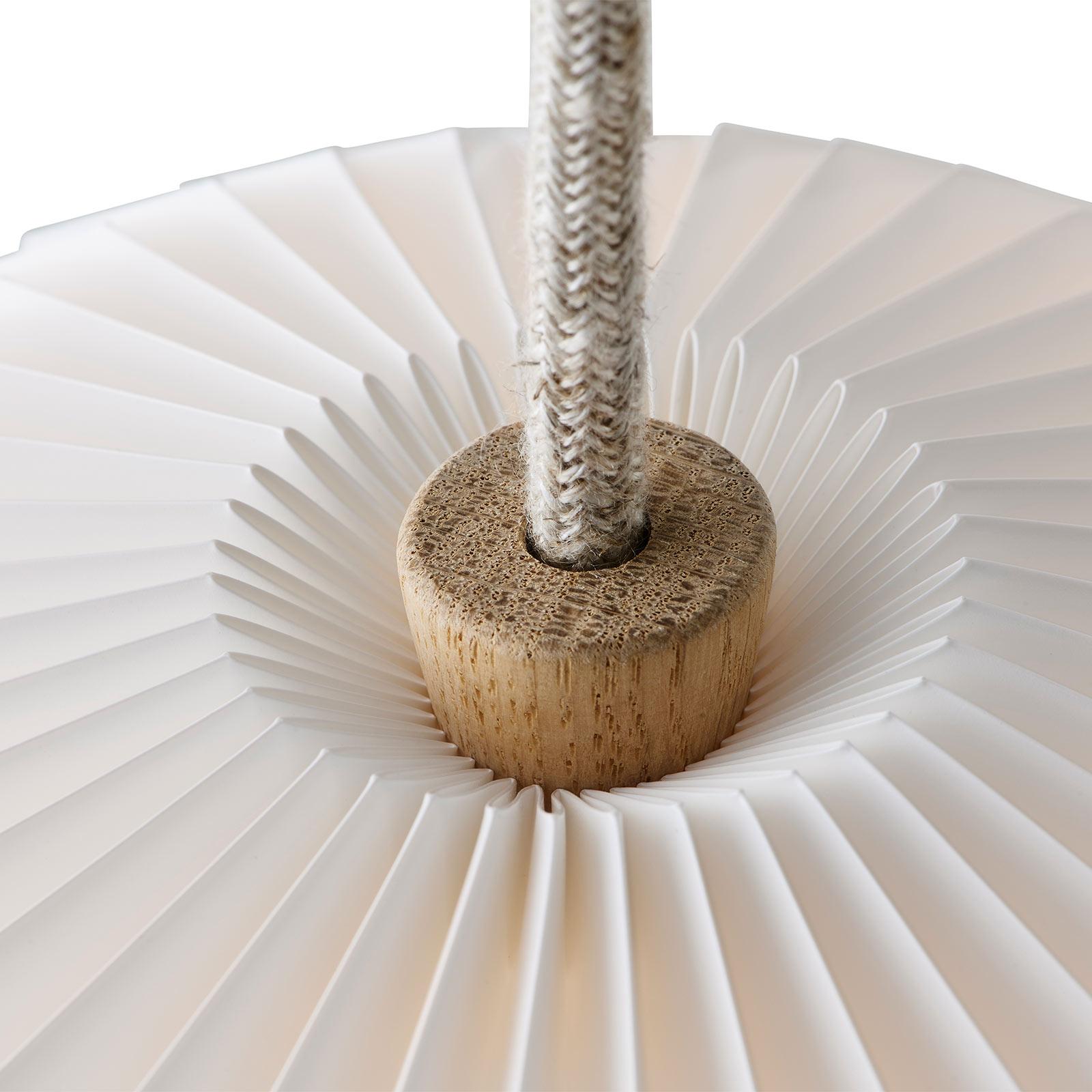LE KLINT The Bouquet -riippuvalo, 3-lamp. Ø80cm