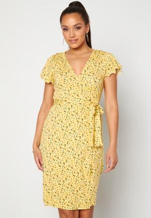 Happy Holly Amanda wrap dress Light yellow / Floral 32/34