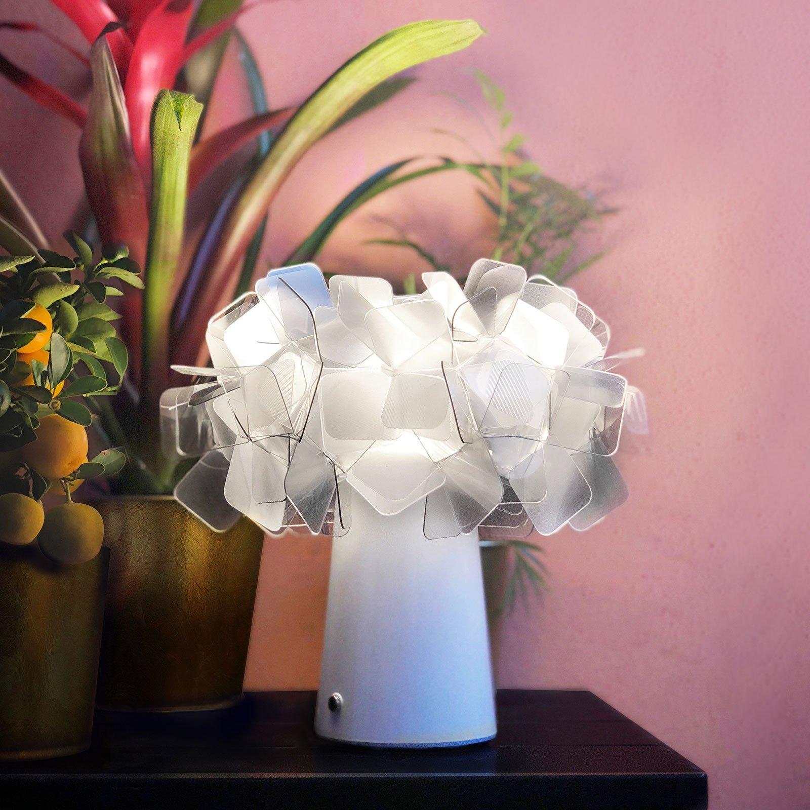 Slamp Clizia LED-bordlampe, batter, fumé