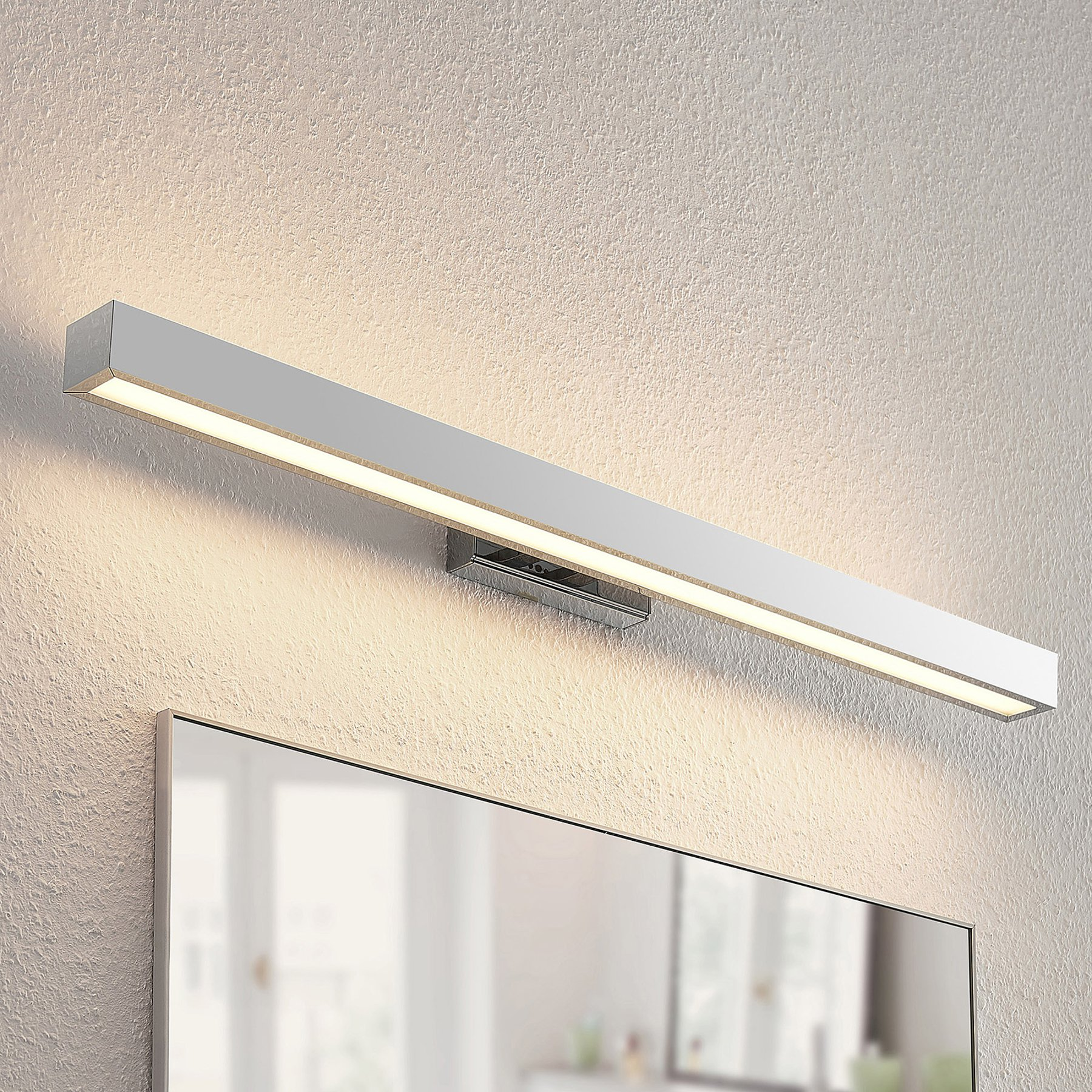 Lindby Tade LED-vegglampe til bad 90 cm