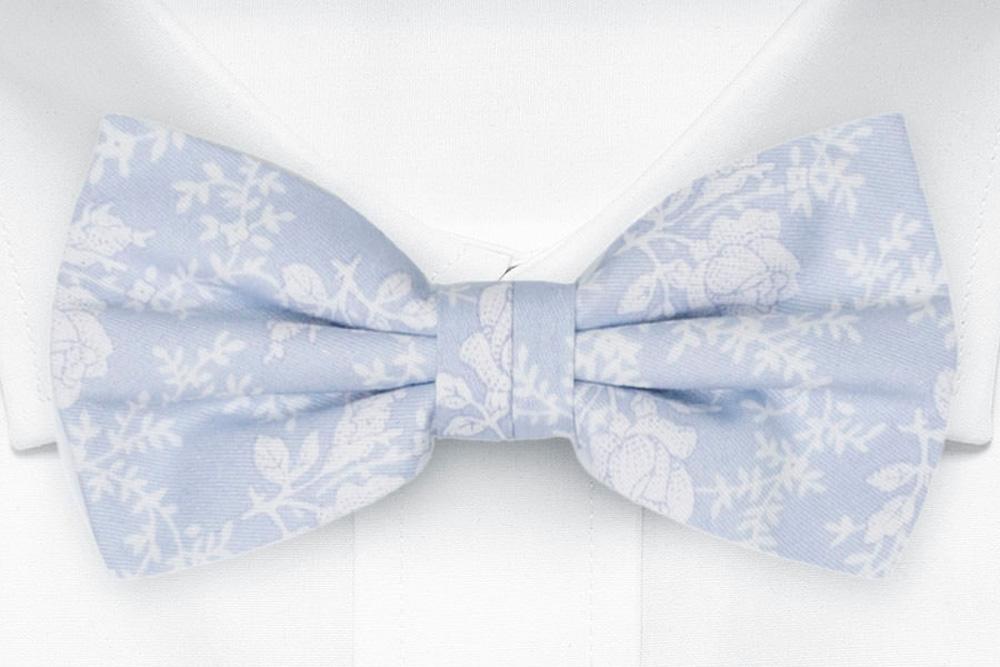 Bomull Sløyfer Knyttede, Hvite roser og vinranker på blekeste blått