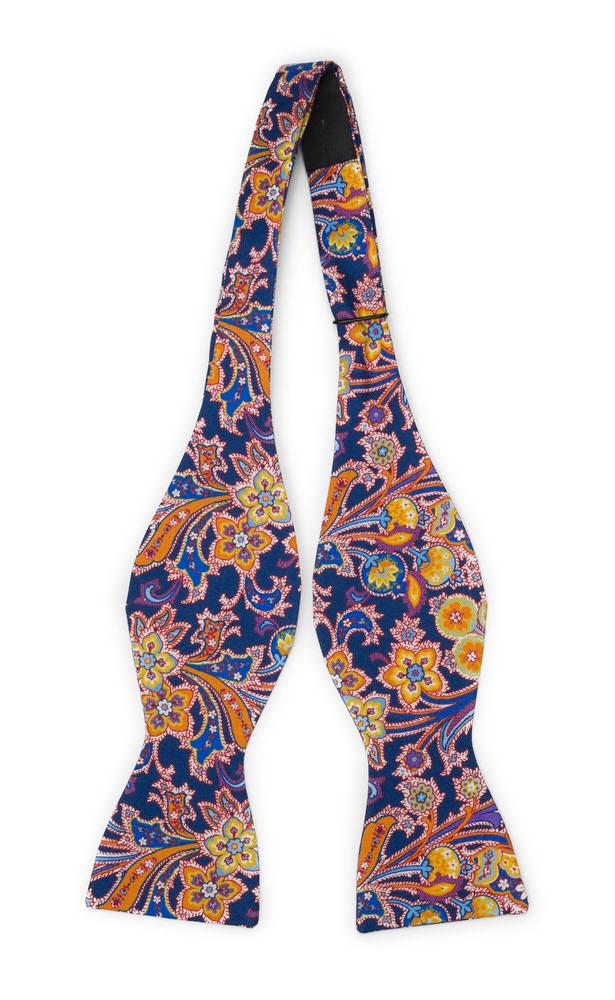 Silke Sløyfer Uknyttede, Surrealistiske, flerfargete blomster på oransje