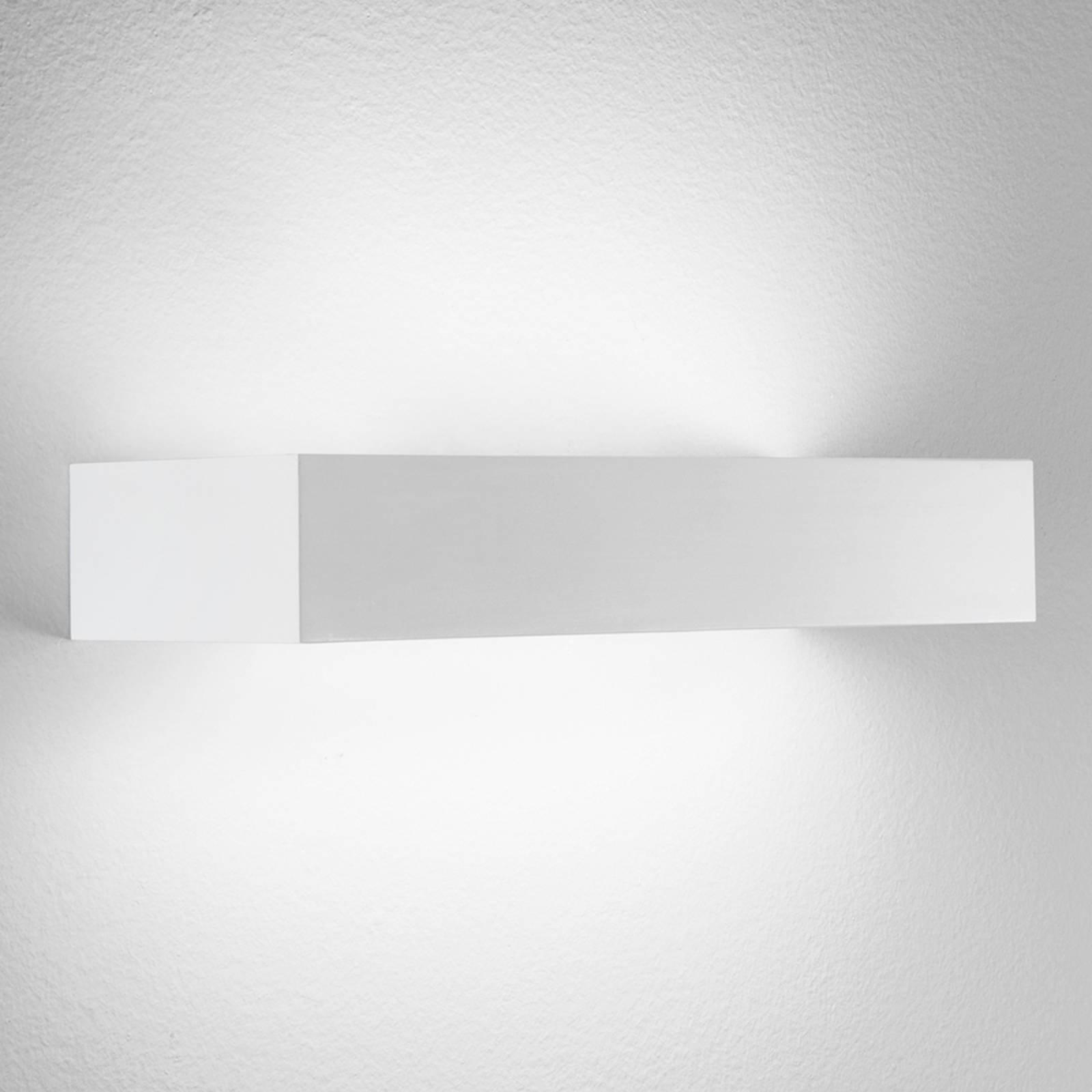 Brick 30 - kantet LED-vegglampe i hvit