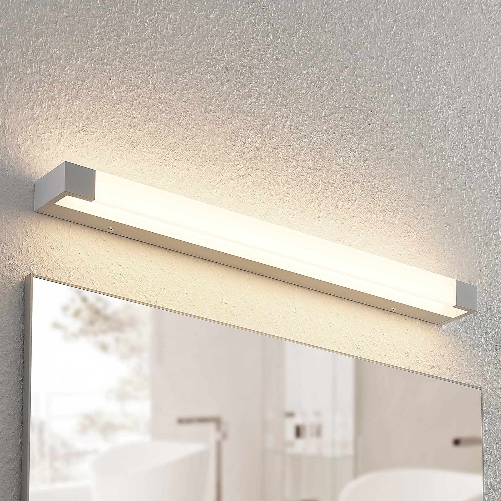 Arcchio Ronika -LED-seinävalaisin, IP44, 72 cm