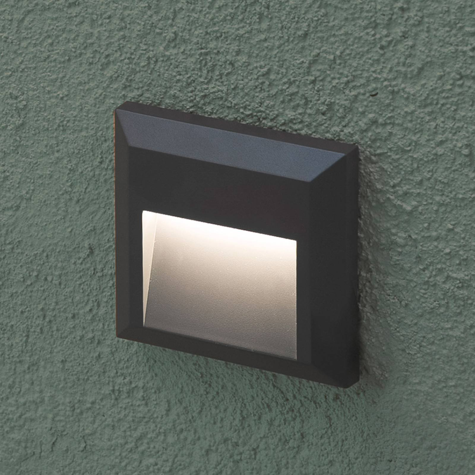 Grant - kantet LED-vegglampe for utebruk
