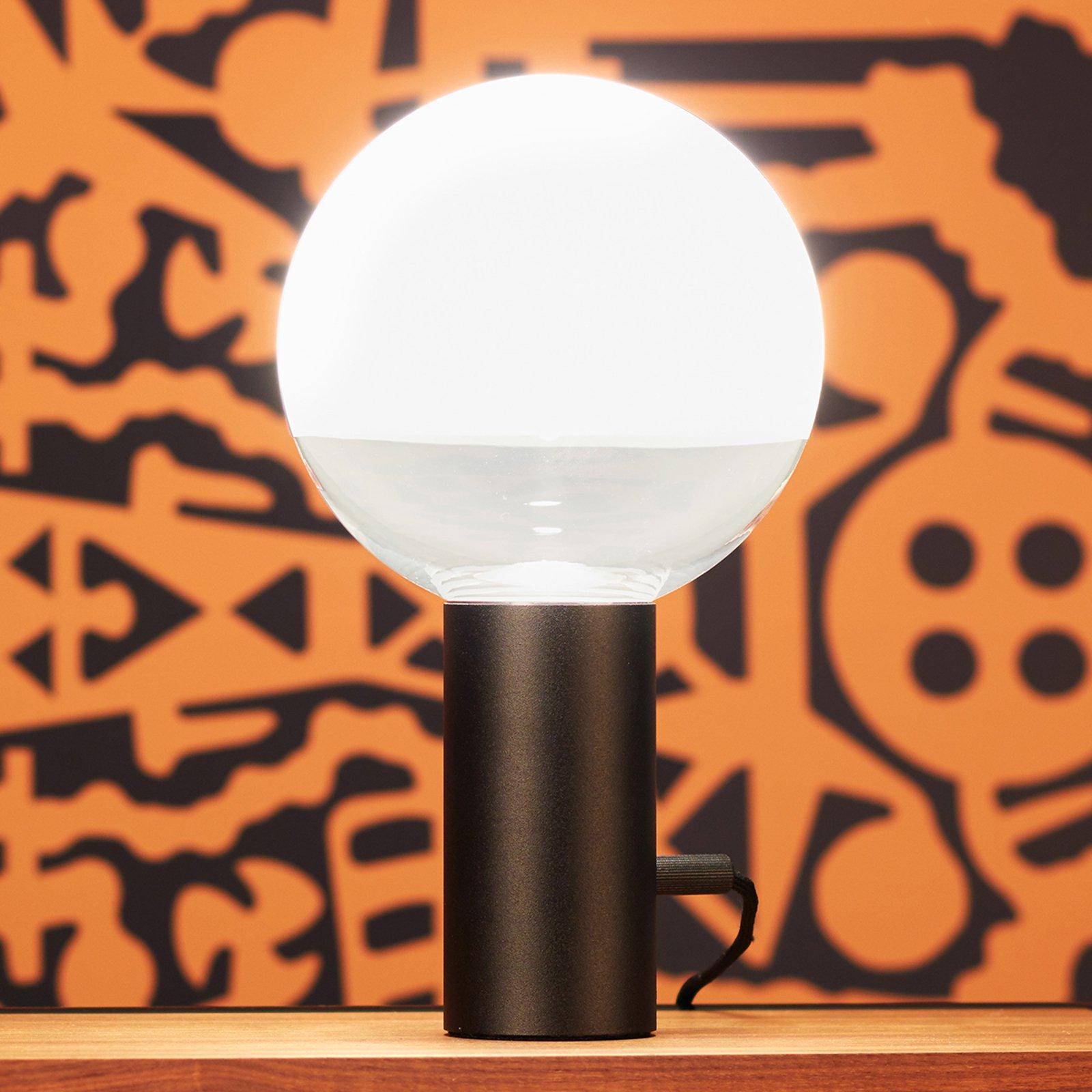 Kuula – bordlampen med dreiedimmer, svart