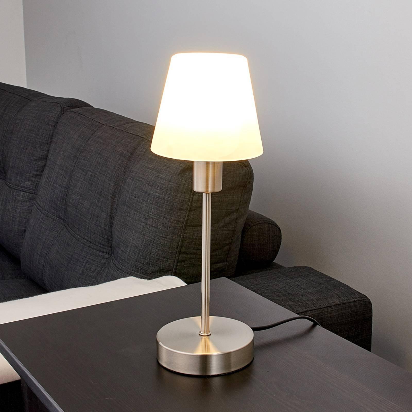 Nattbordslampe Avarin med LED-lys.