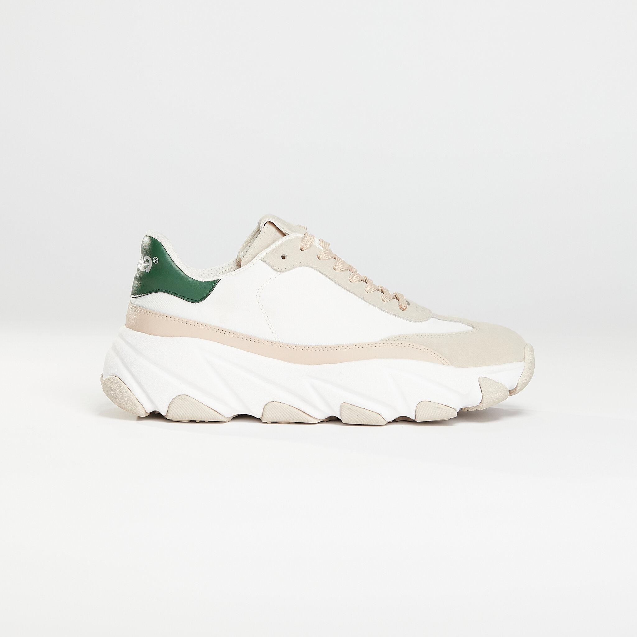 Svea Lace Sneaker