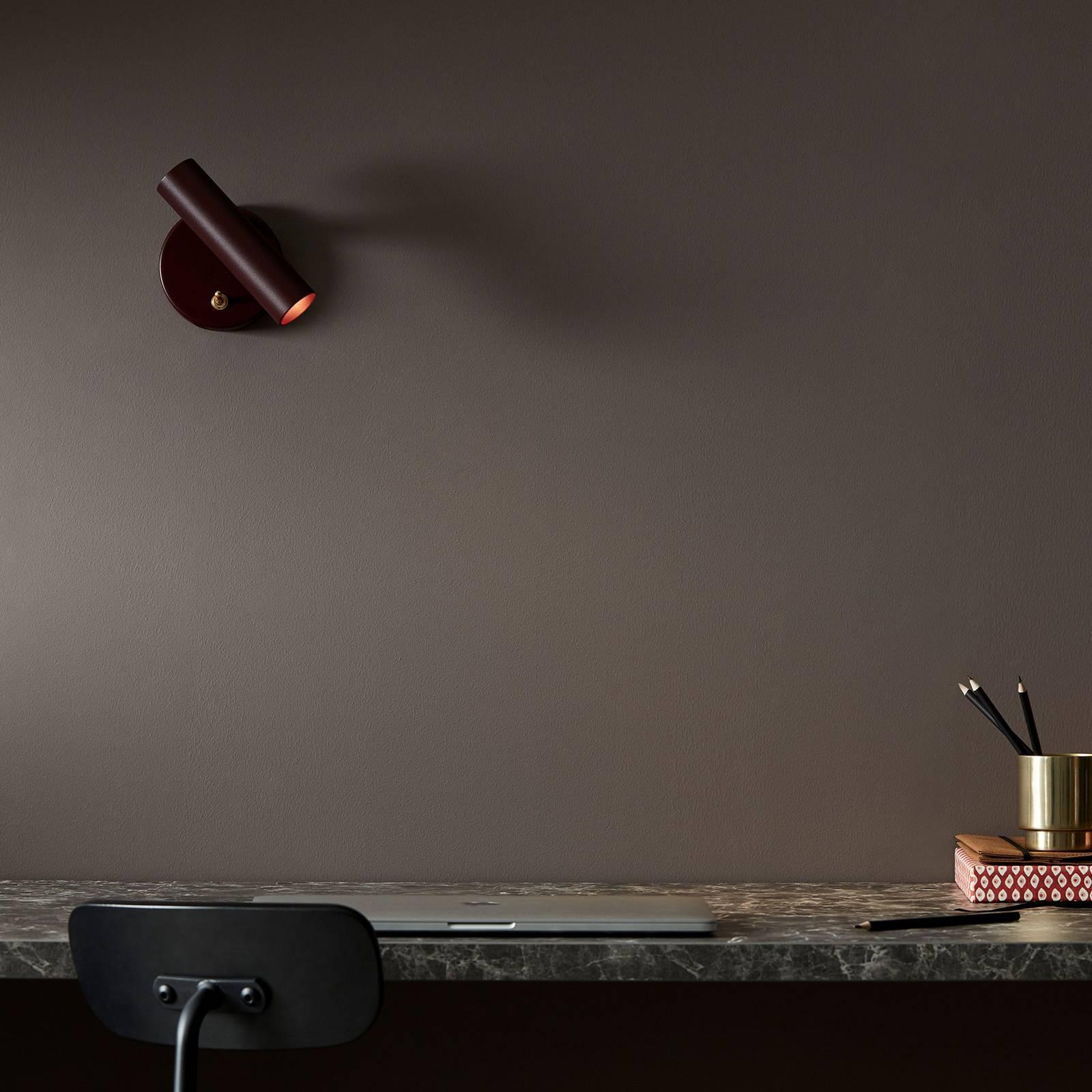LED-seinävalaisin Slender, tummanpunainen