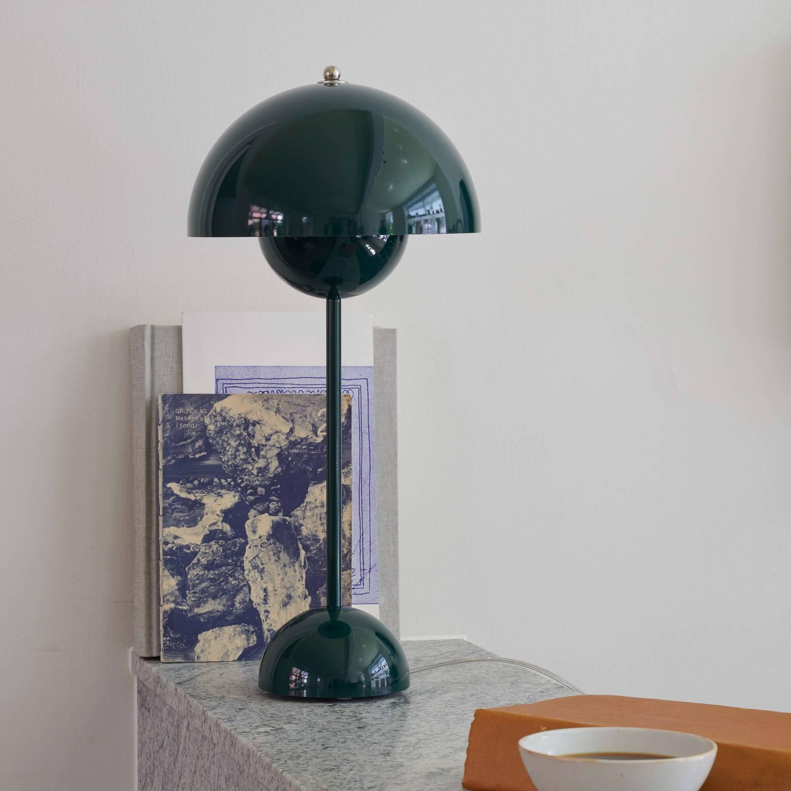 &Tradition Flowerpot VP3-pöytälamppu, tummanvihreä