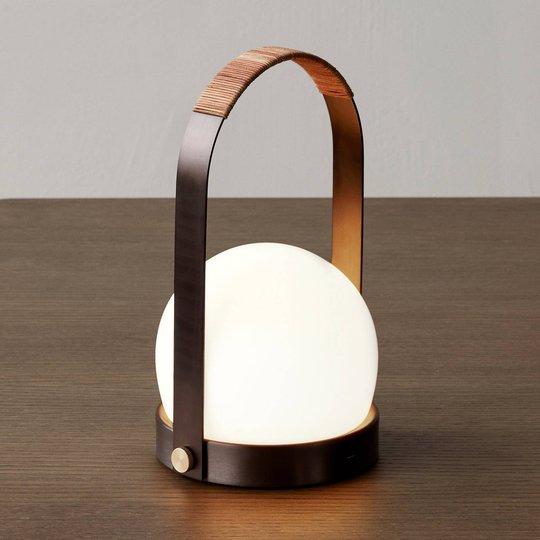 Menu Carrie LED-bordlampe oppladbar bronse/lær