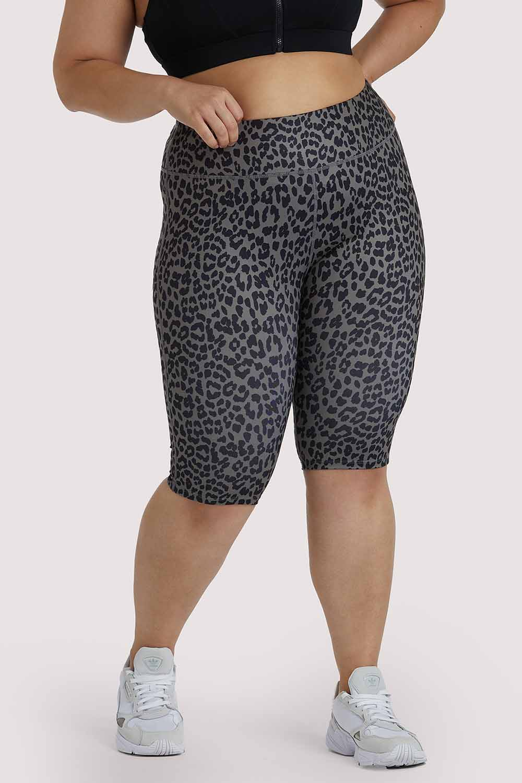 Wolf & Whistle Eco Dusty Olive Leopard Curve Shorts UK18 / US14