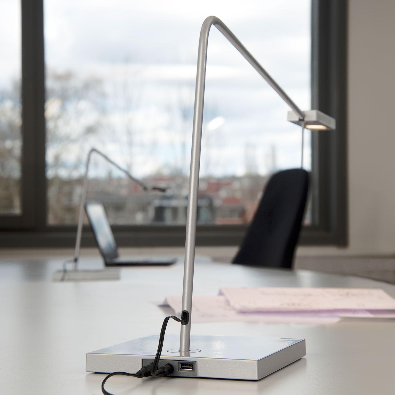 LED-työpöytälamppu Ninety jalallinen, hopeanharmaa