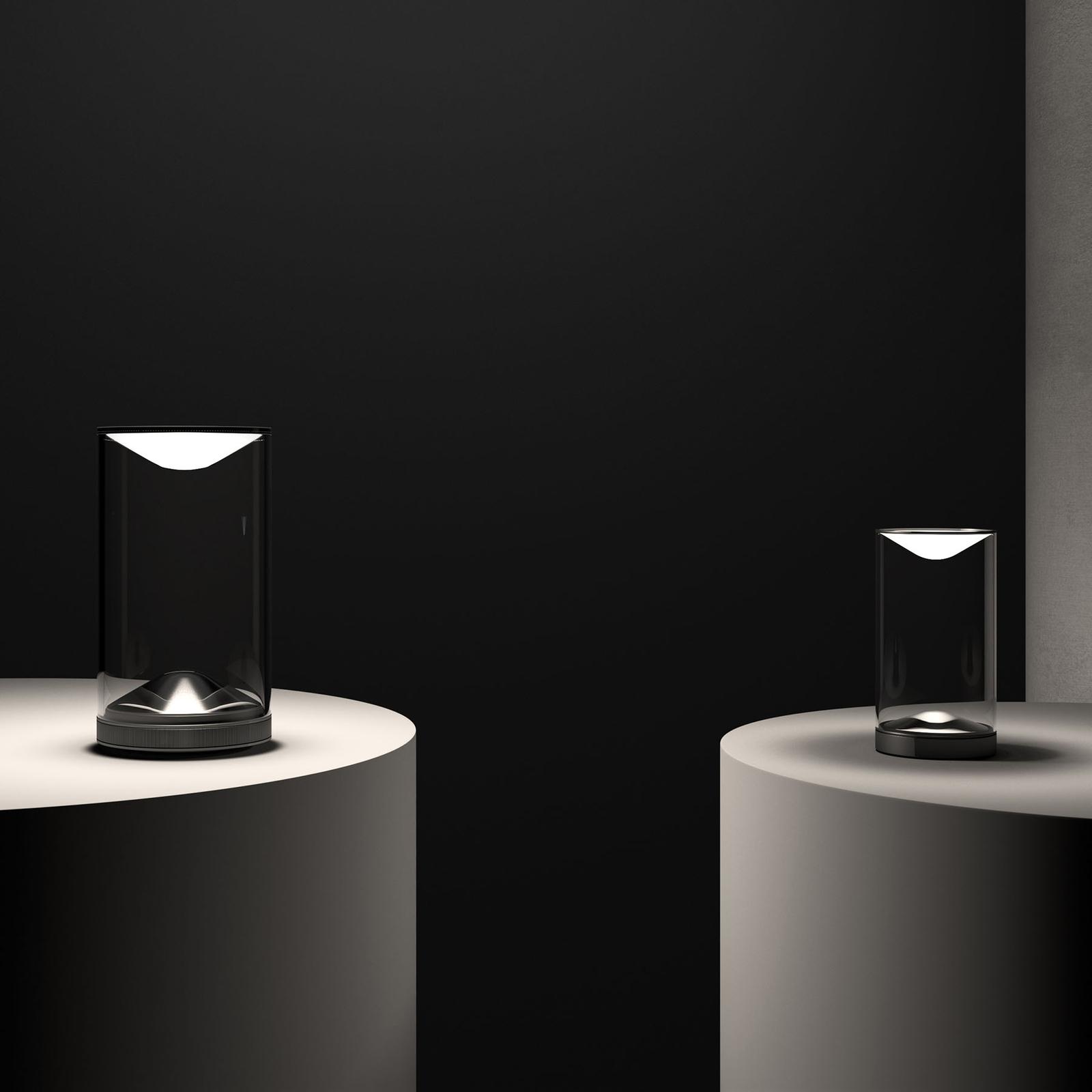 Lumina Eva-LED-pöytälamppu 3000K musta jalka Ø18cm