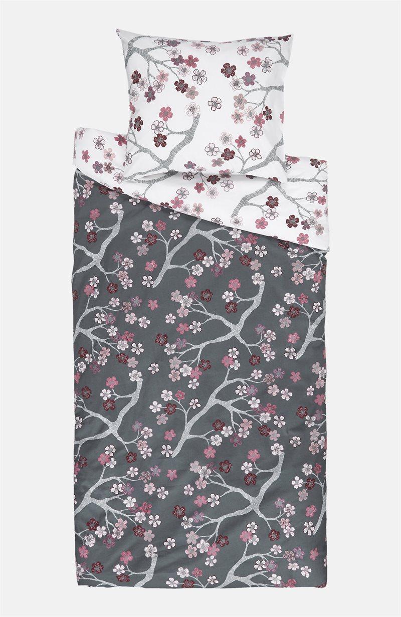 Betty-pussilakanasetti kirsikankukkakuvioinnilla