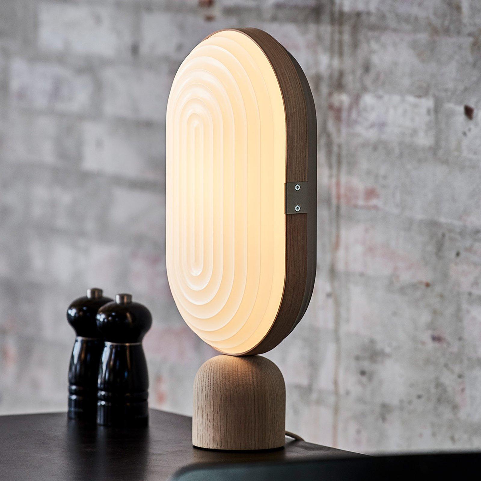 LE KLINT Arc bordlampe hvit, lys eik