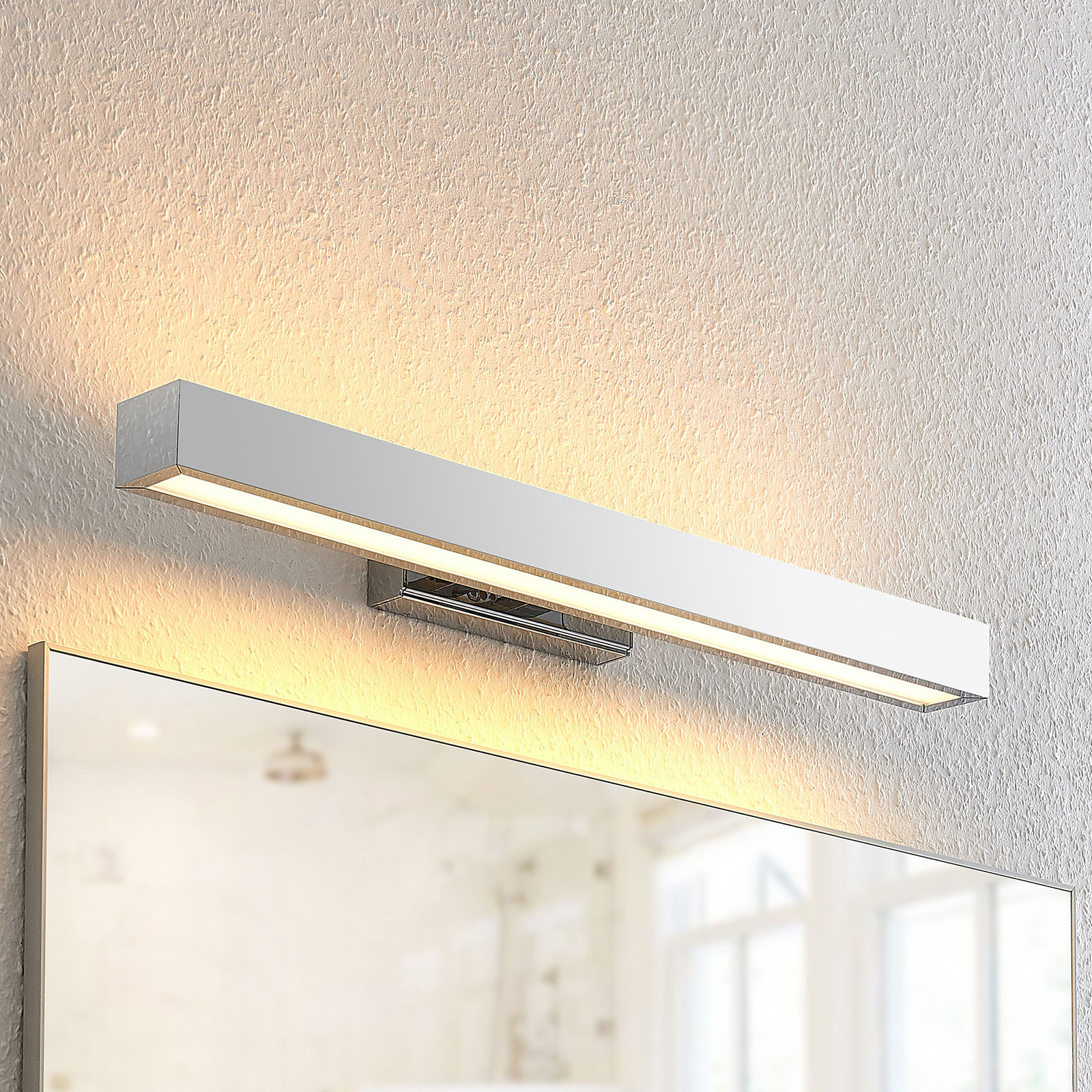 Lindby Tade -LED-seinävalaisin, 60 cm