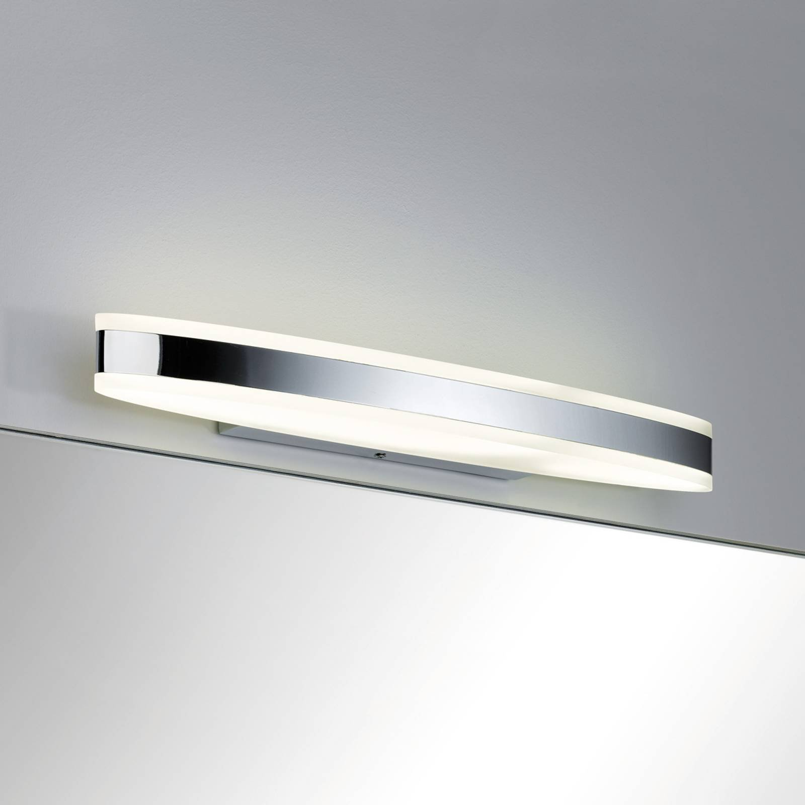 Oval LED-vegglampe Kuma