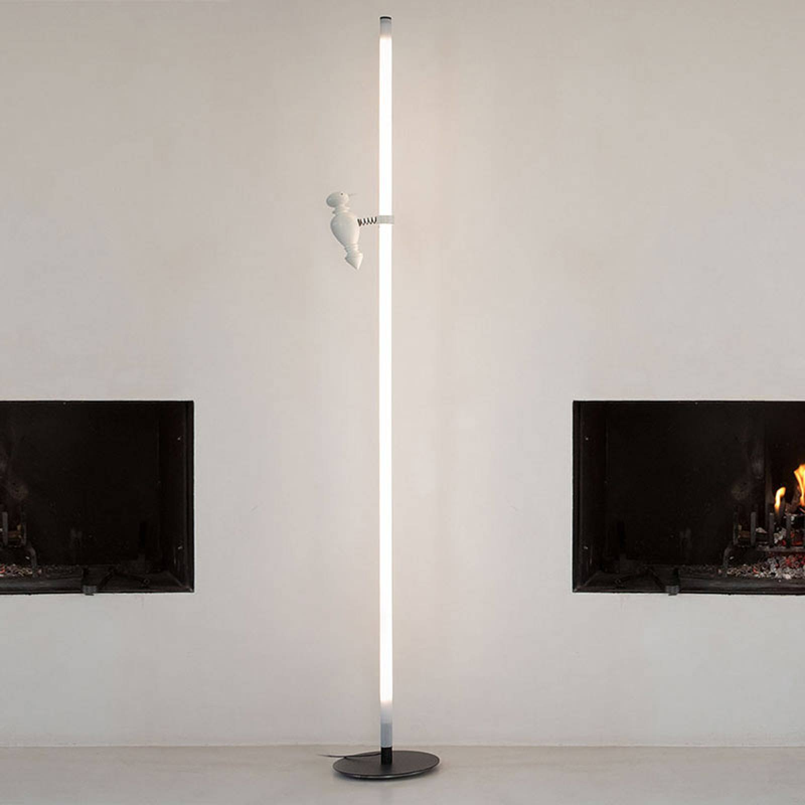 Karman Accipicchio LED-gulvlampe, 3 000 K