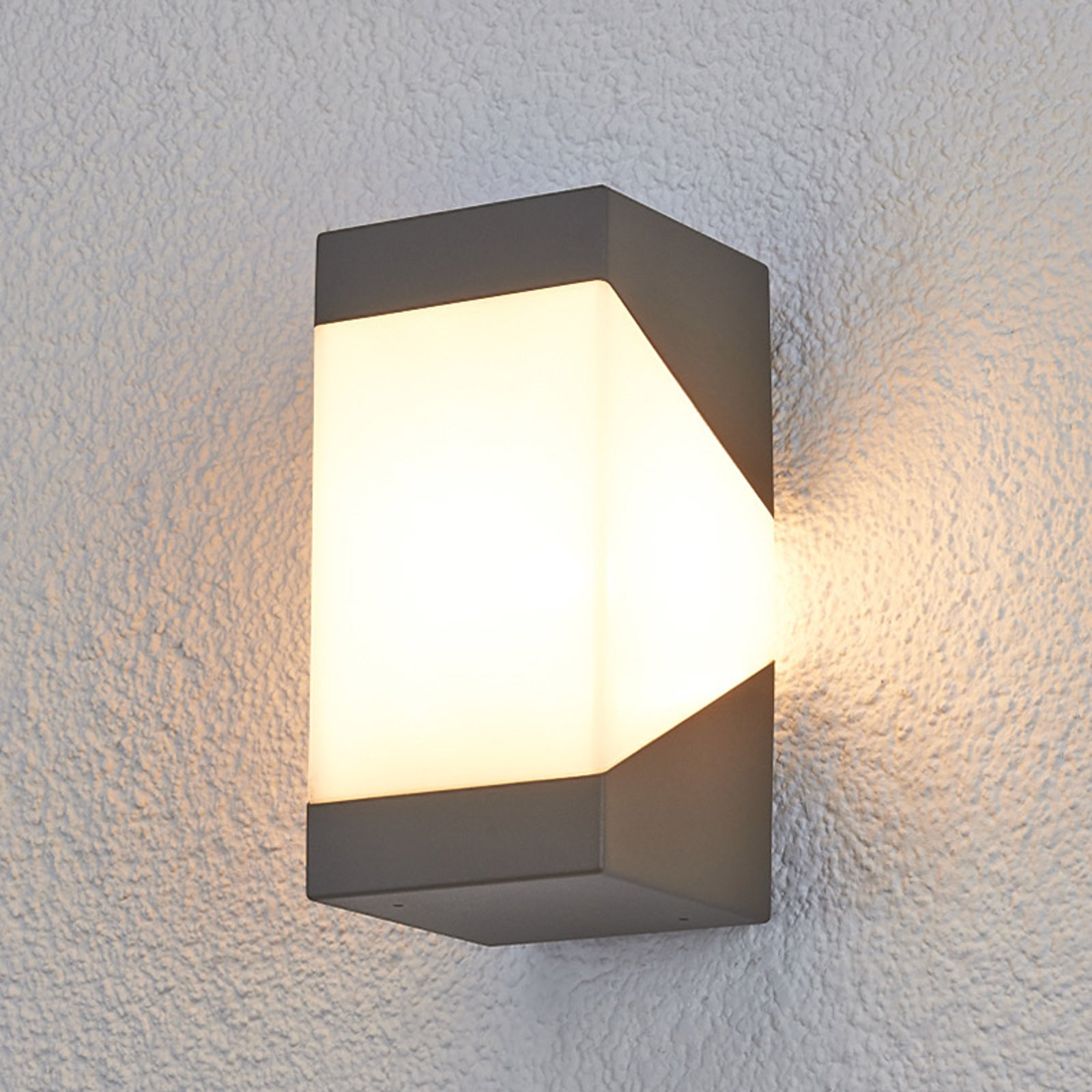 Effektfull Lutevegglampe Kiran