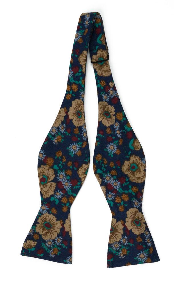 Bomull Sløyfer Uknyttede, Multifarget, tett blomstermønster på marinblått