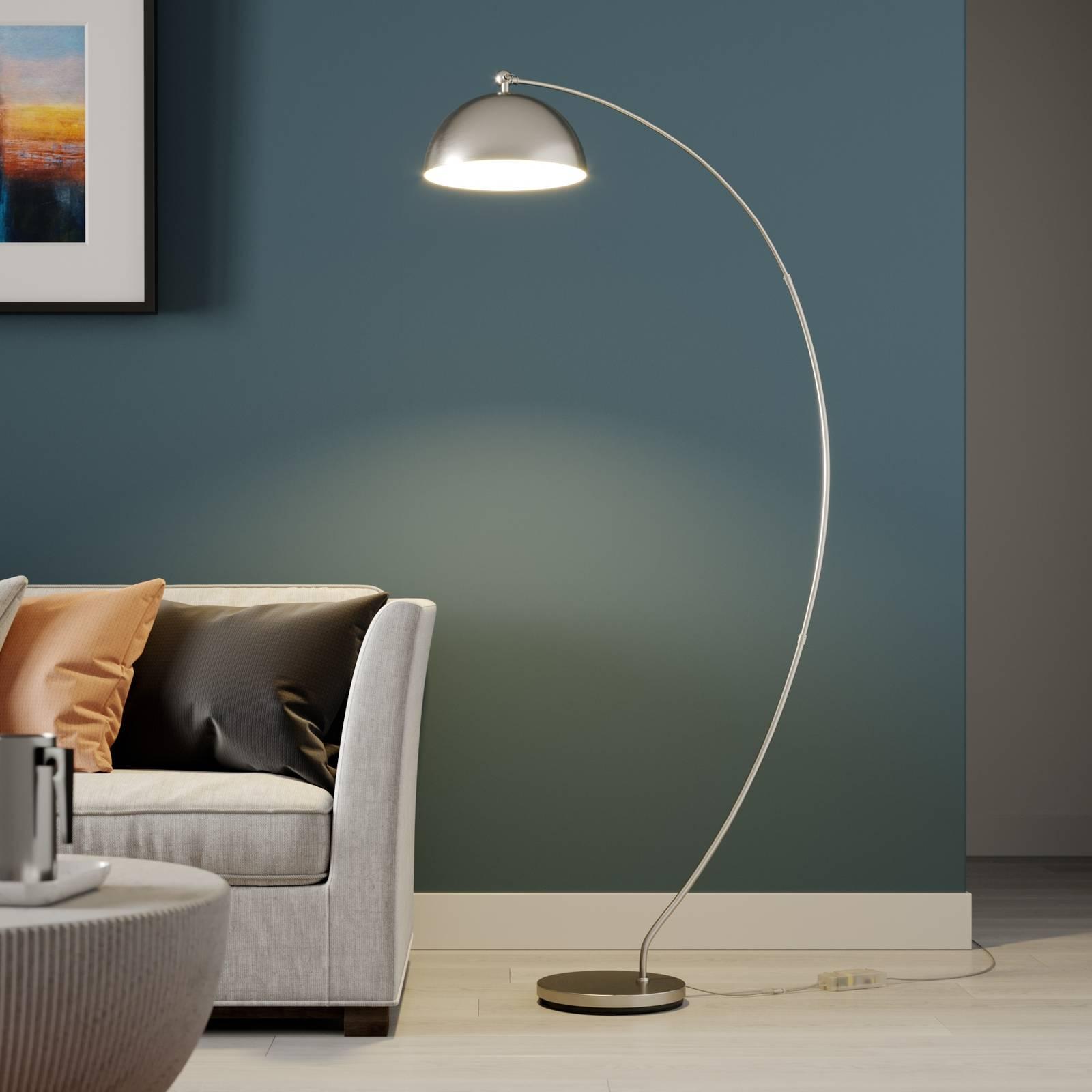 Lindby Zara LED-kaarivalaisin, jalassa himmennin