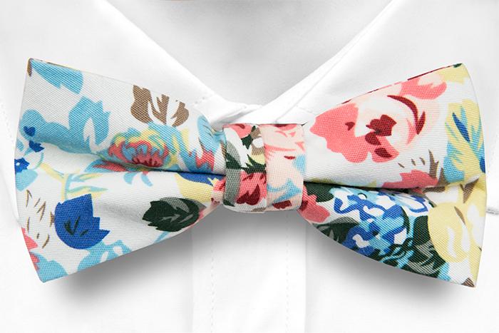 Bomull Sløyfer Knyttede, Rosa, blå & gule blomster & blader på hvitt