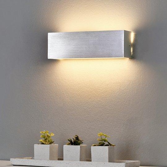 Kulmikas alumiininen LED-seinävalaisin Ranik