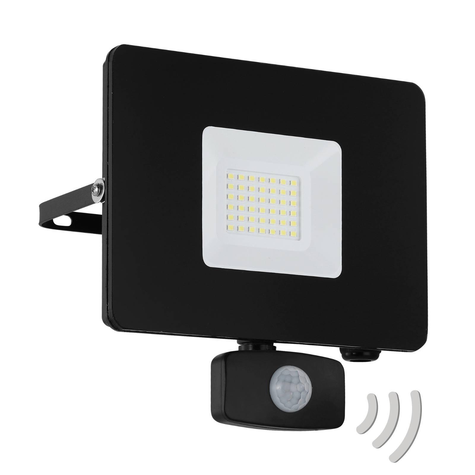 Utendørs LED-spot Faedo 3 med sensor, svart, 30 W