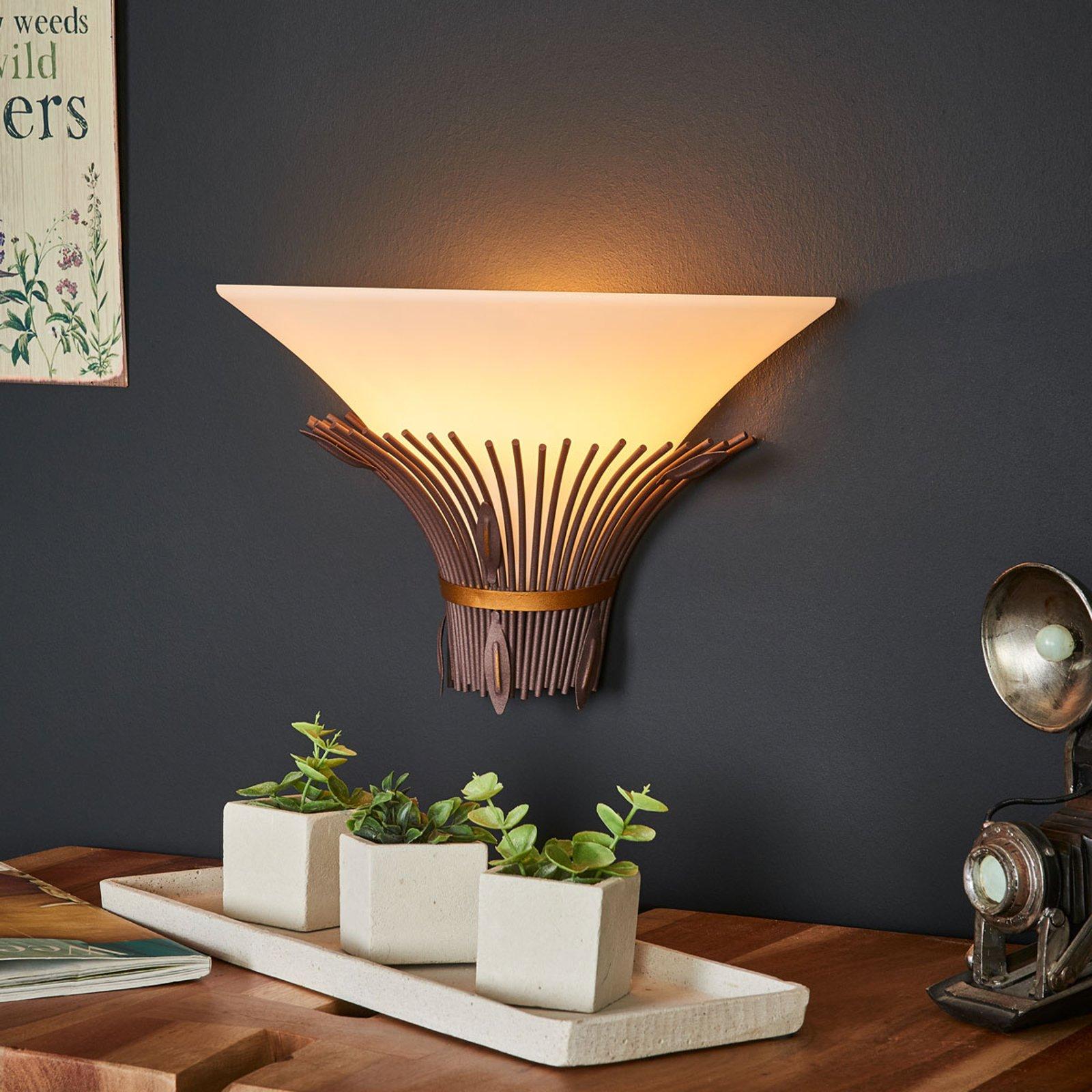 Vegglampe Canna med afrikansk preg