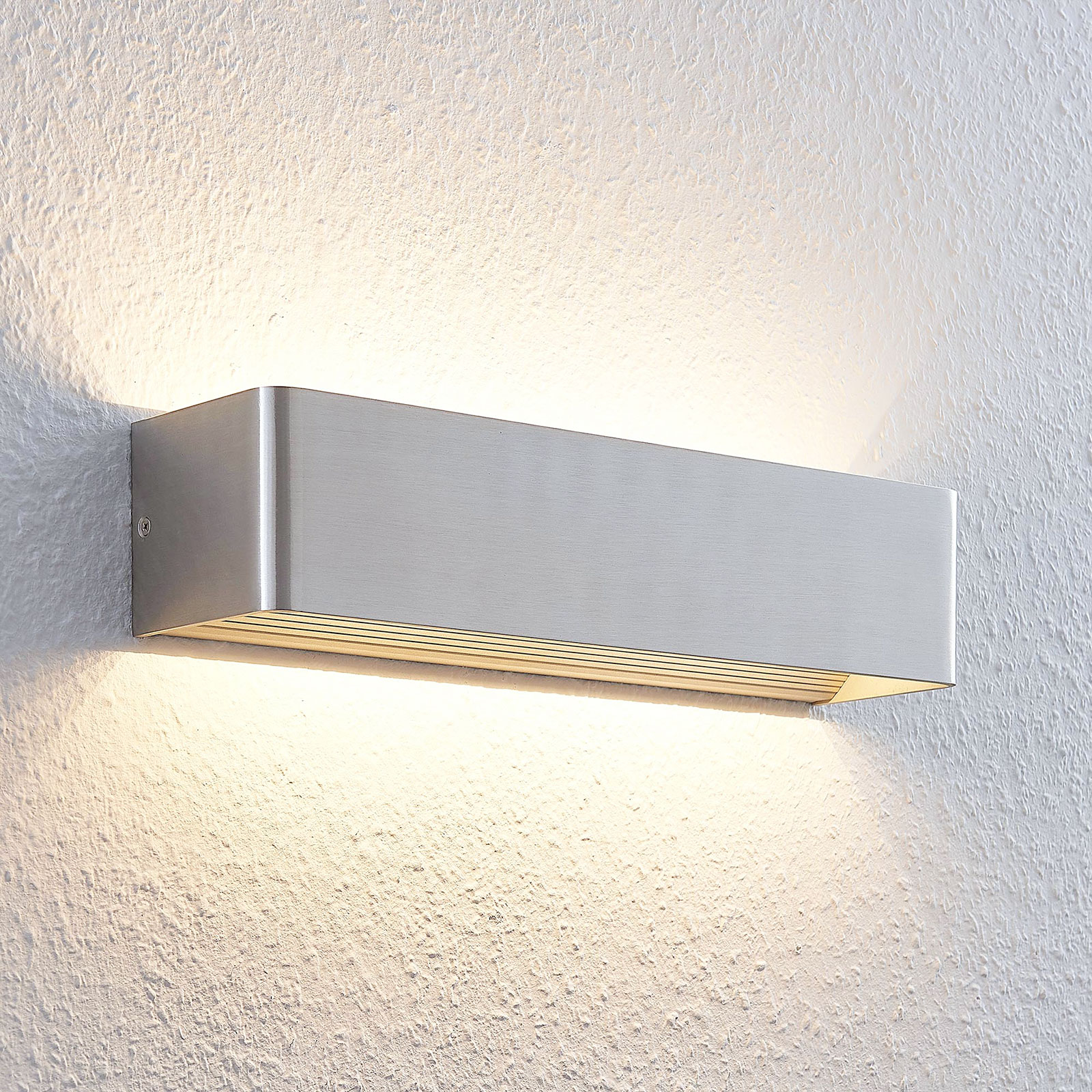 Lonisa – kaunista valoa tuottava LED-seinävalaisin