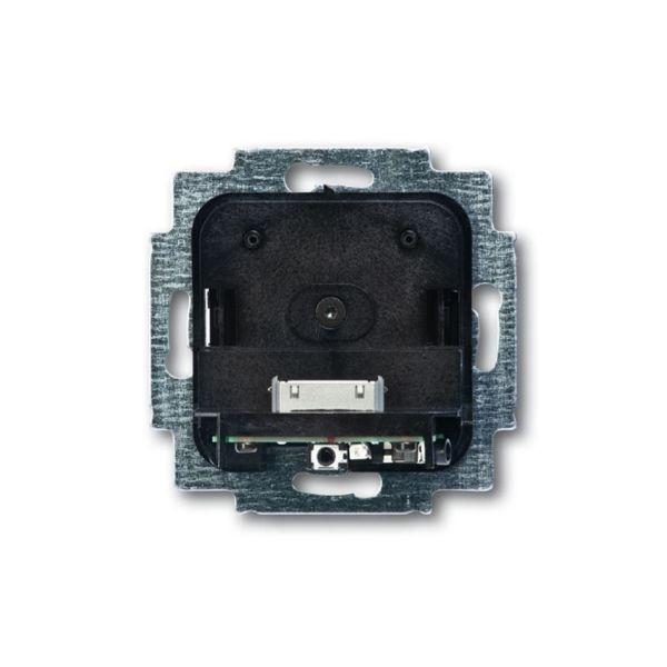 ABB 8218U Telakointiasema iPod/iPhone