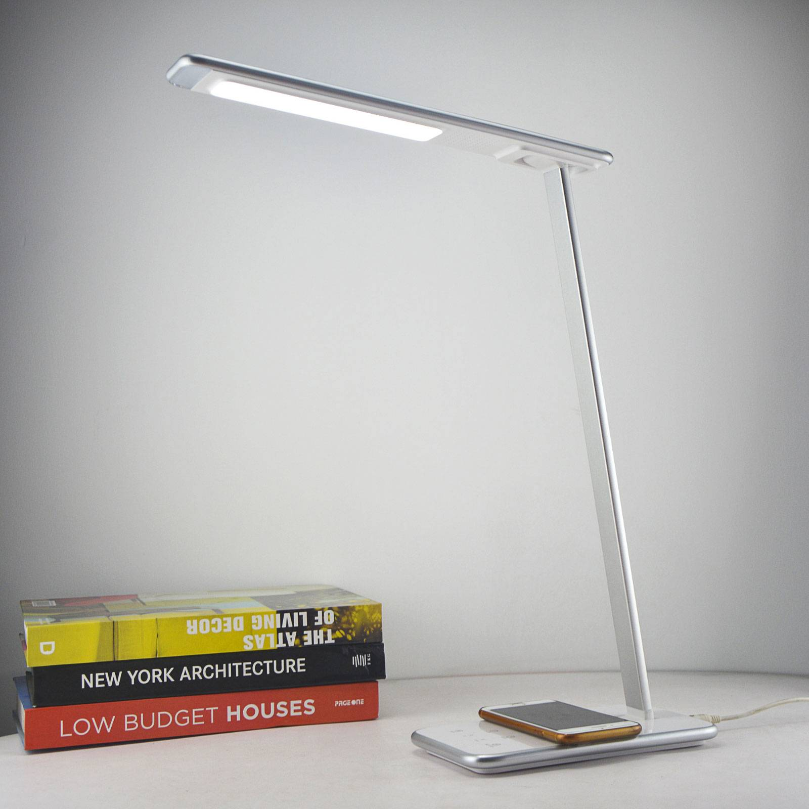 Orbit-LED-työpöytälamppu, induktio, hopea