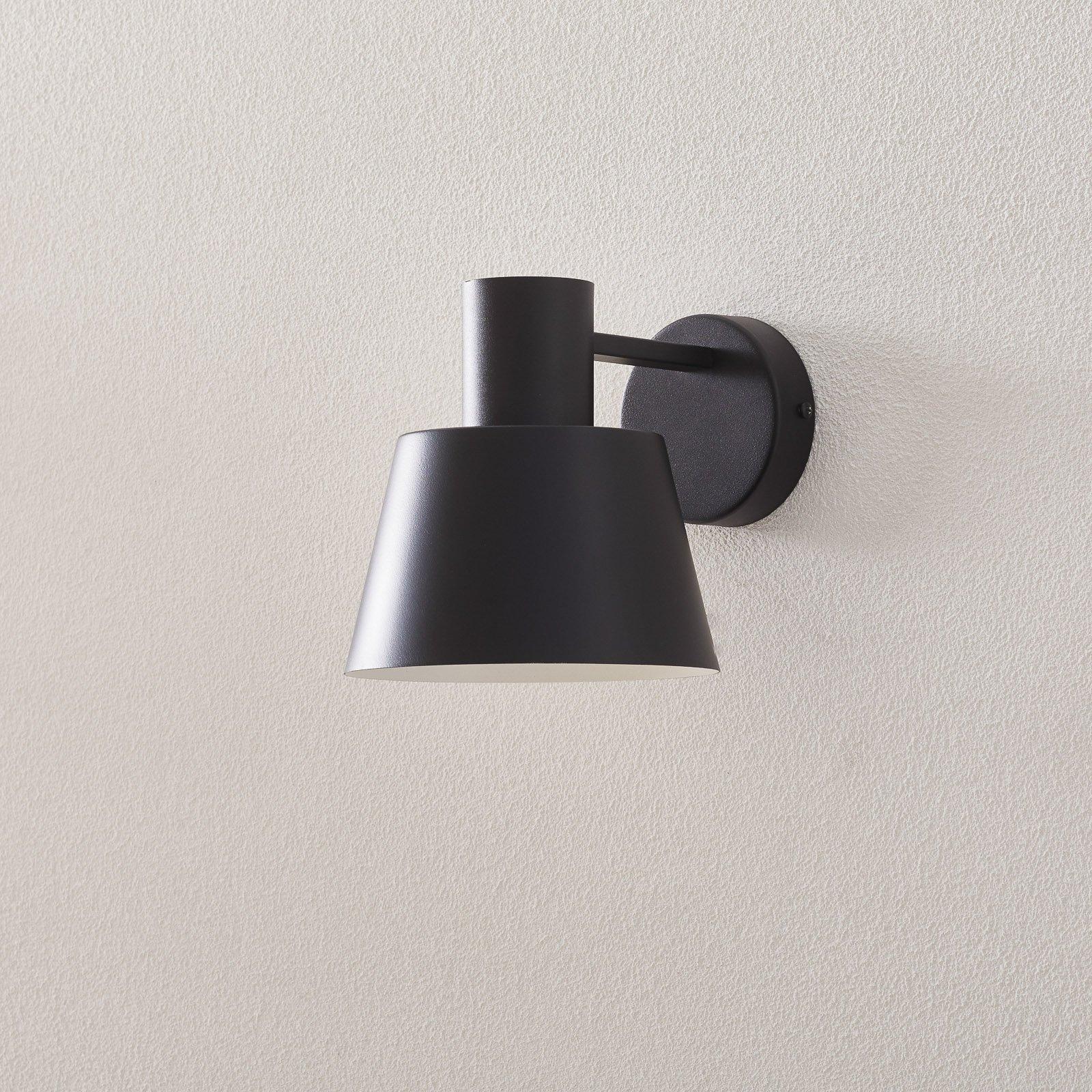 Vegglampe Dunka i metal, 1 lyskilde, svart