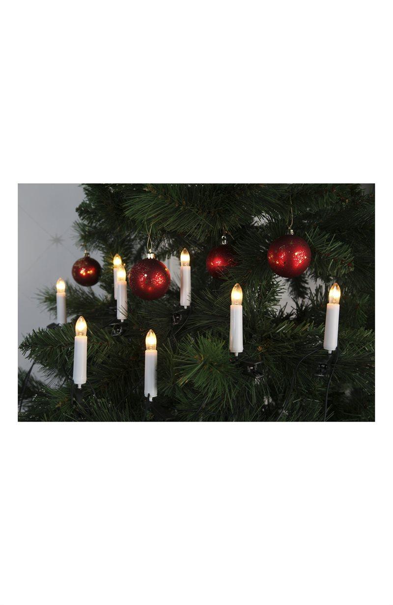Joulukuusen valo inomhus