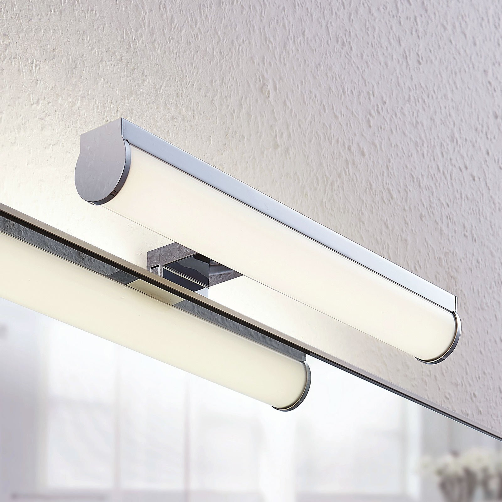 LED-bade- og speillampe Irmena, 30 cm