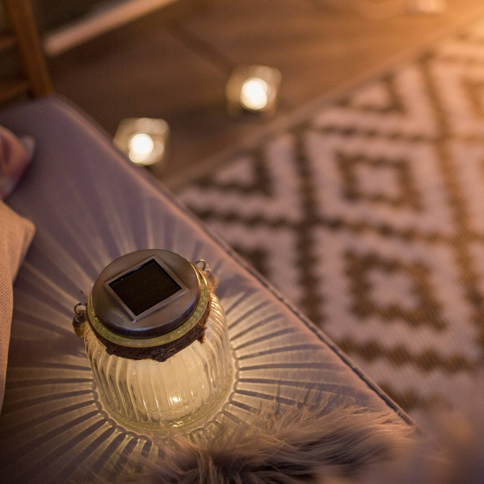 Solcelledrevet LED bordlampe Jar i glass