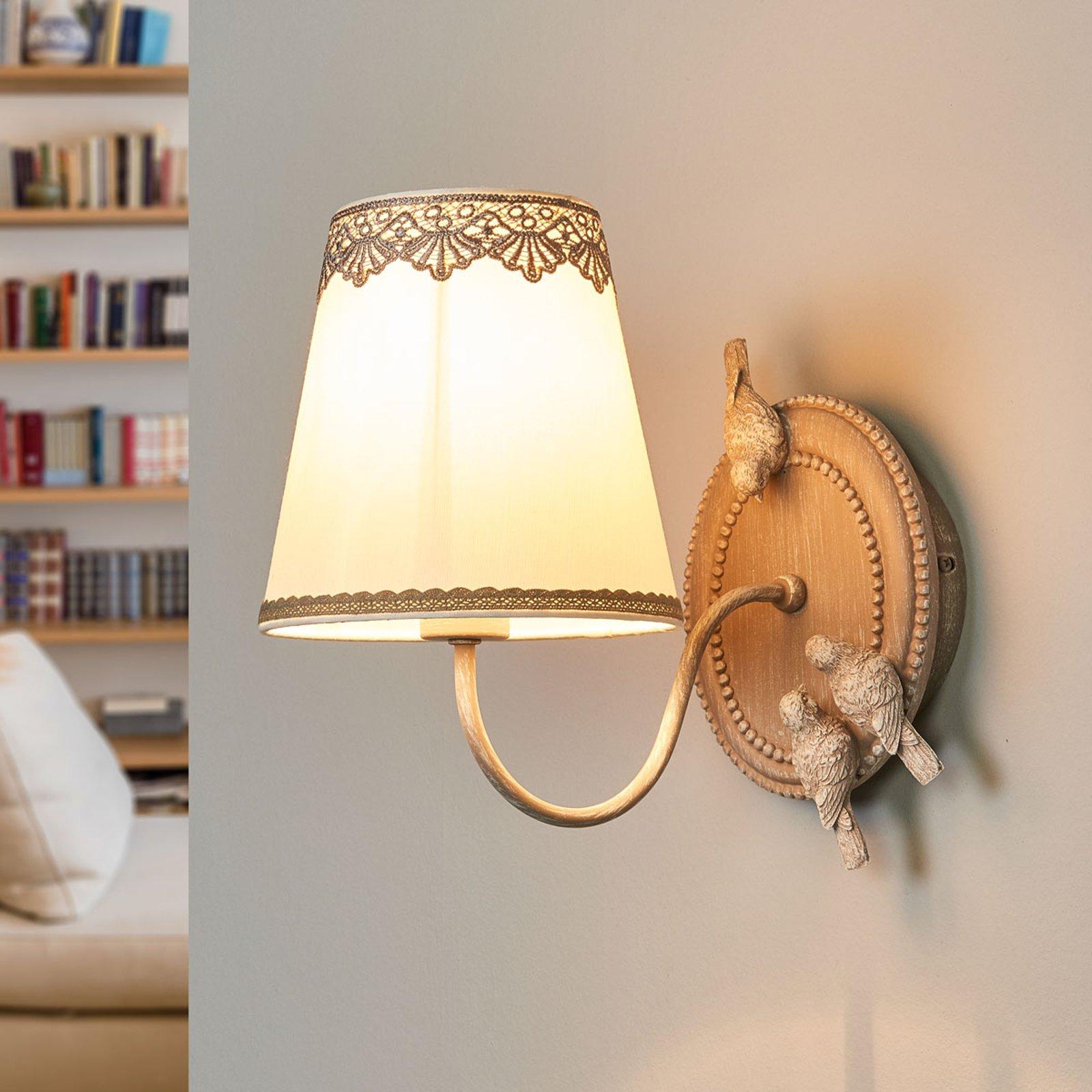 Bouquet - Vegglampe med søte blonder