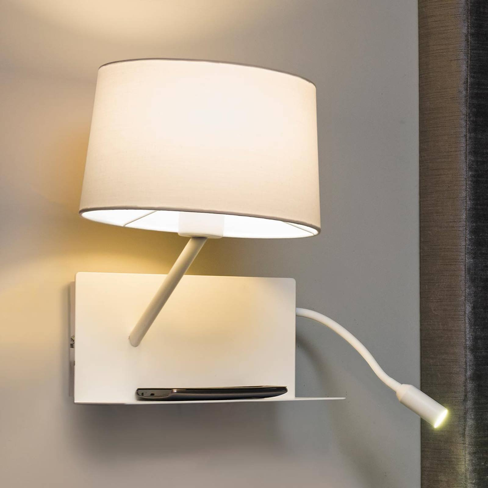Med LED-lesearm - funksjonell vegglampe Handy