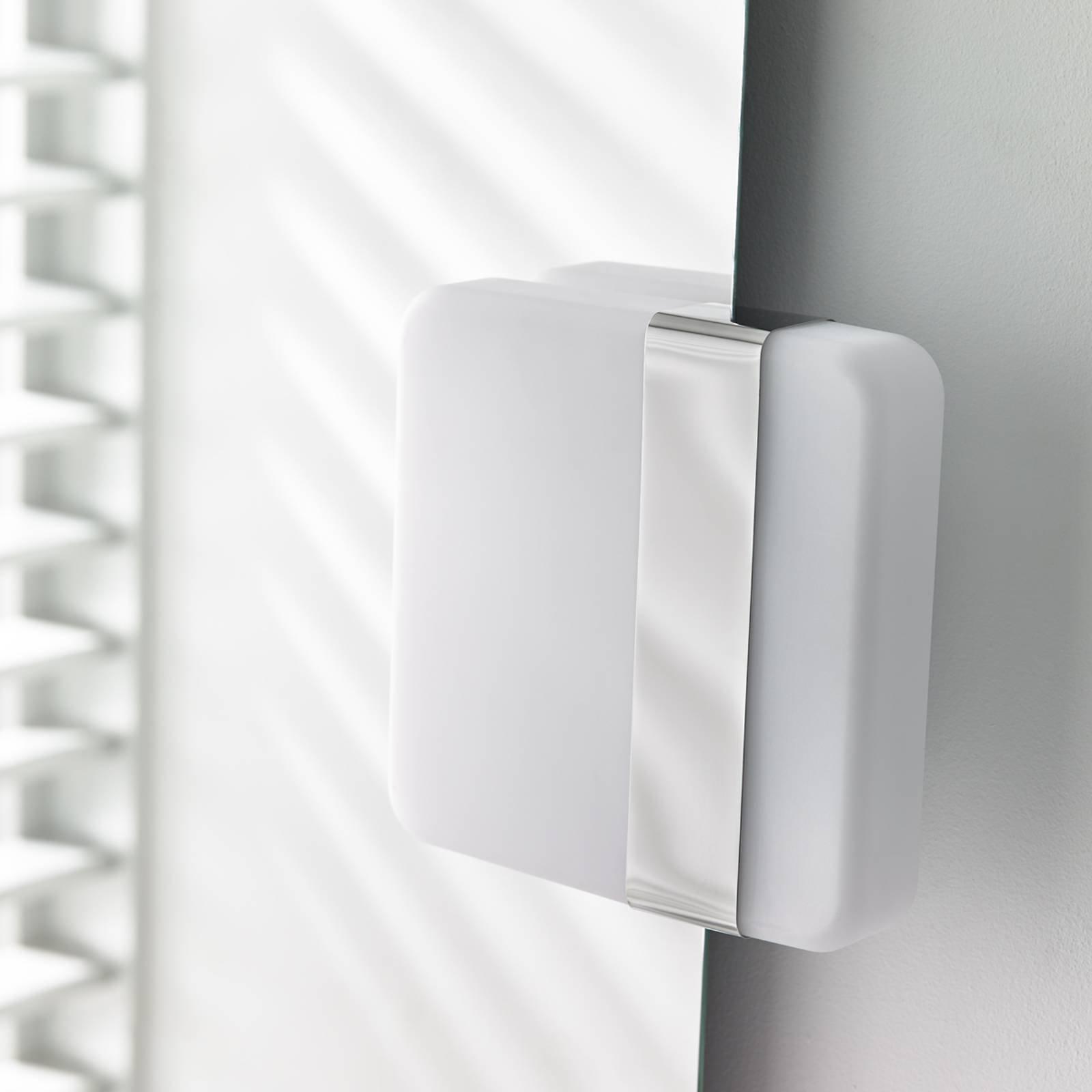 LED-vegglampe Becky med asymmetrisk oppdeling