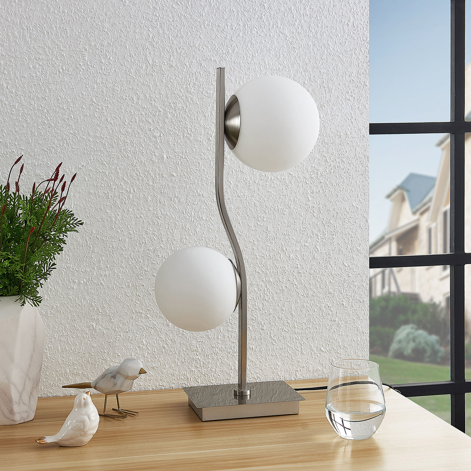 Lindby Avalyn -pöytälamppu, valkoinen, nikkeli