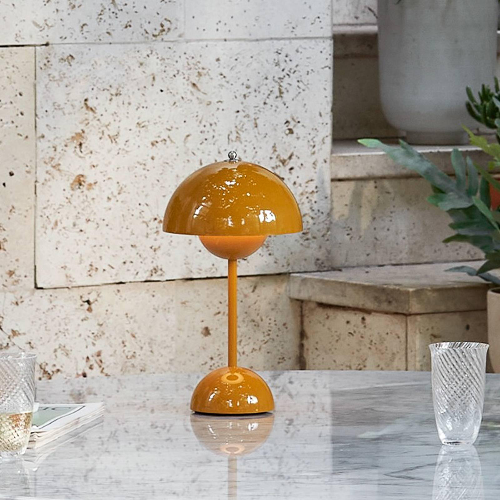 &Tradition Flowerpot VP9 -pöytälamppu, keltainen